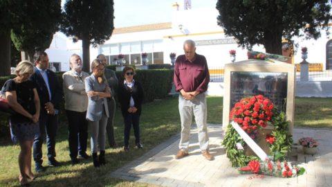 El PSOE de Ayamonte celebró su tradicional homenaje a los asesinados entre 1936 y 1939